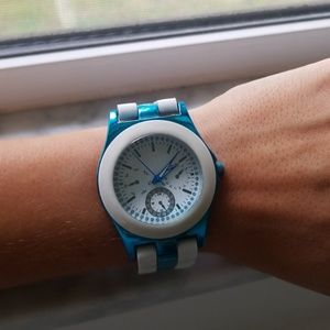 Accessories - Blue and white watch